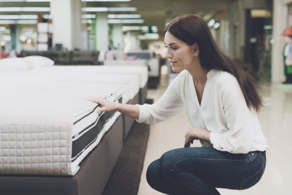 Picking the lifespan mattress at mattress store
