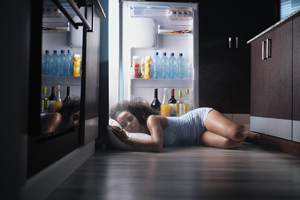 We have some tips to keep cool while sleeping during summer nights.